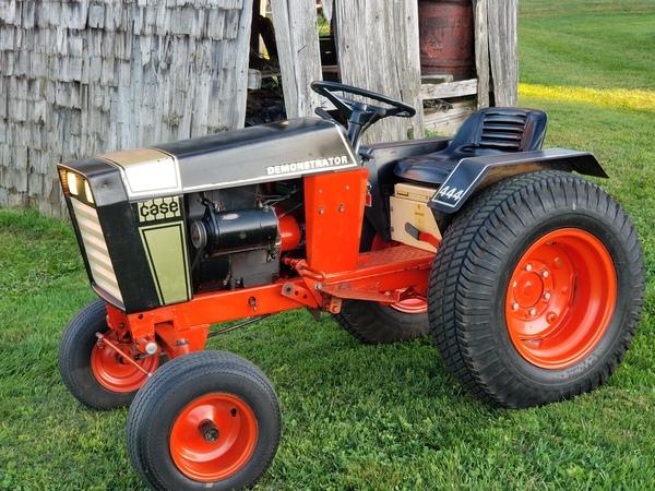 1) 1972 Case 444 Demonstrator G.T. - 1