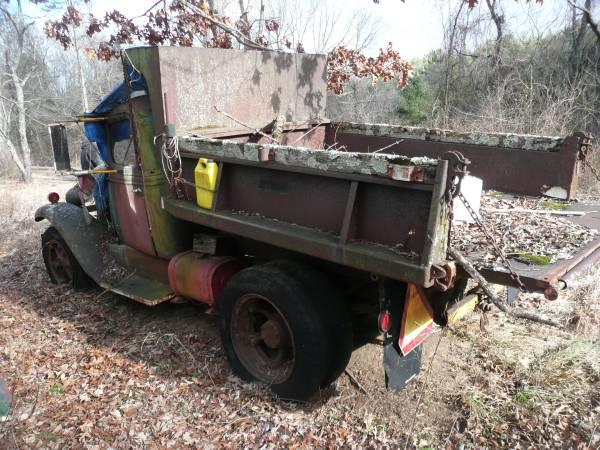 8) International C35 Dump Truck