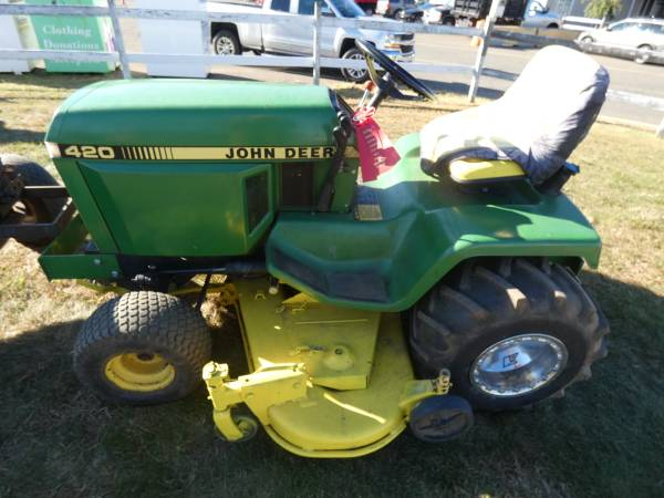 Photo of  John Deere 420 Garden Tractor