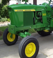 Photo of  John Deere 3020 Tractor