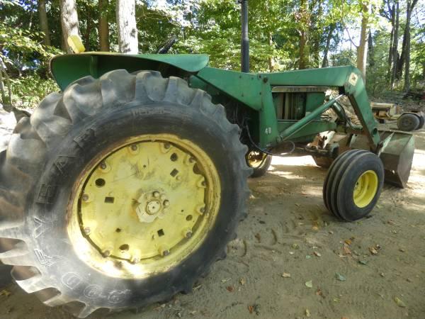 12) 1965 John Deere 3020 Tractor