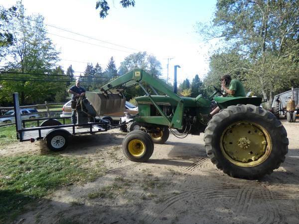 14) 1965 John Deere 3020 Tractor