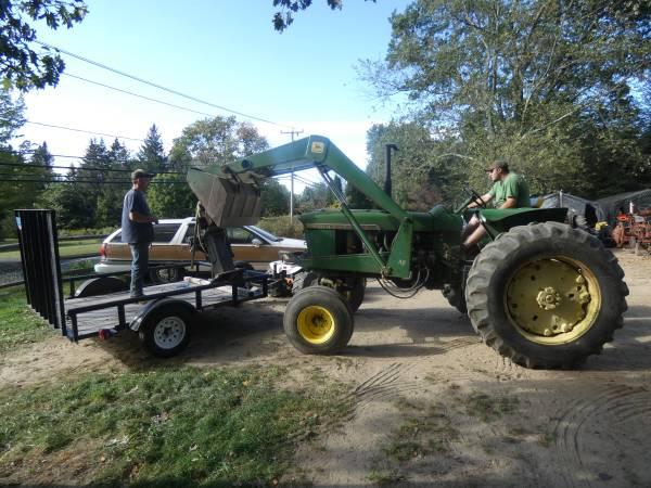 15) 1965 John Deere 3020 Tractor