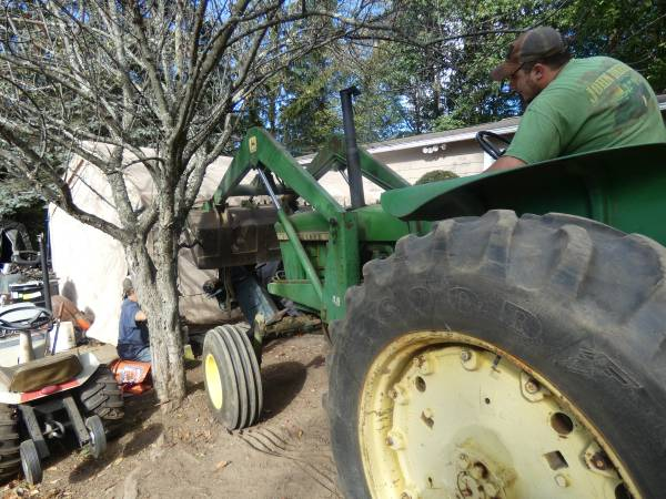 17) 1965 John Deere 3020 Tractor