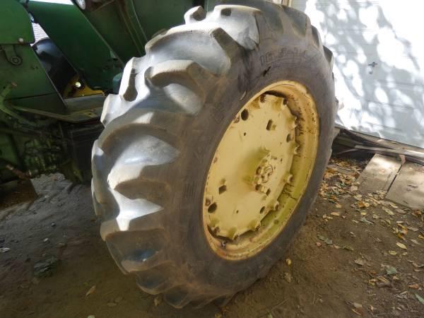7) 1965 John Deere 3020 Tractor