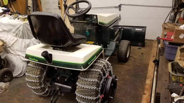 17) Bolens Duratrac GT2000 Tractor