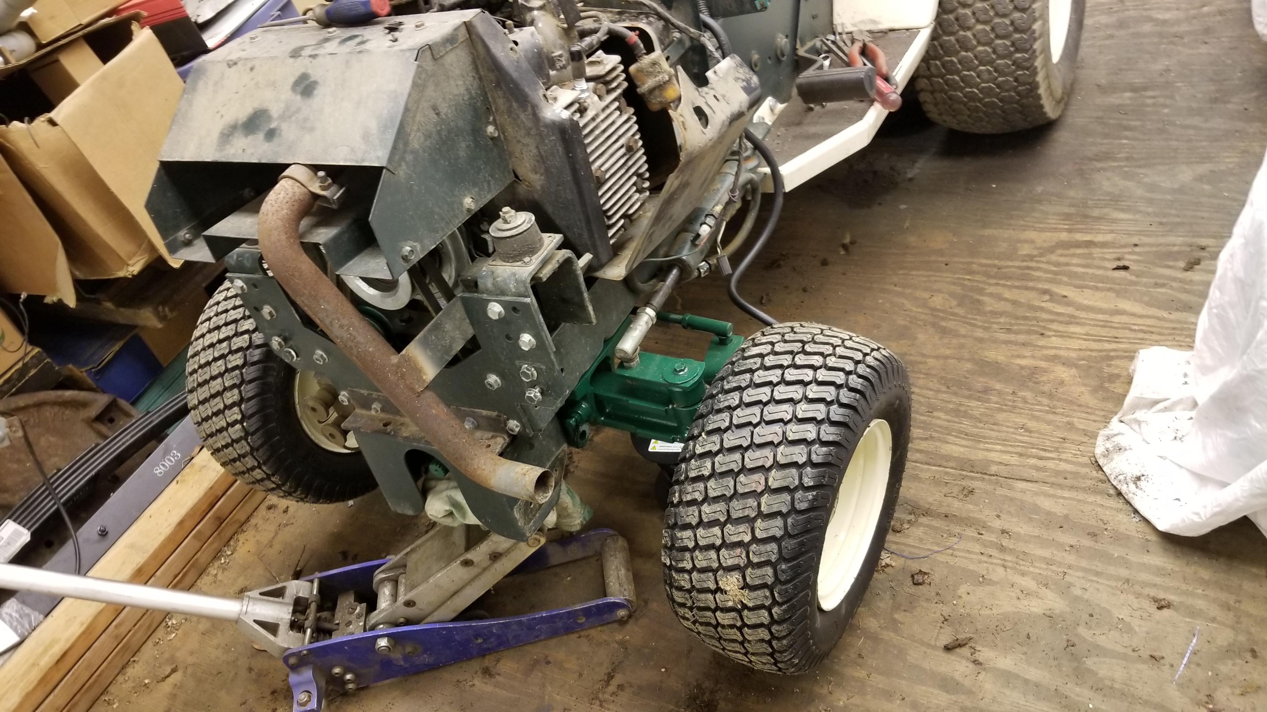 5) Bolens Duratrac GT2000 Tractor