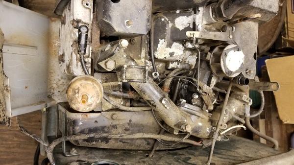 7) Bolens Duratrac GT2000 Tractor