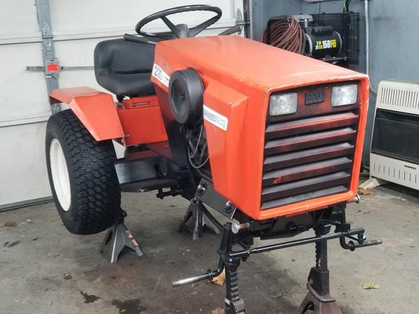 15) 220 Case Garden Tractor