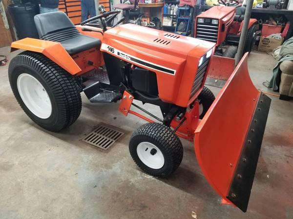 1) 446 Case Garden Tractor 2019