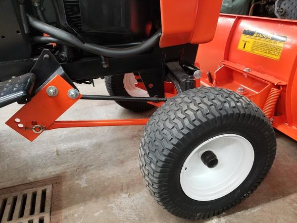 27) 446 Case Garden Tractor