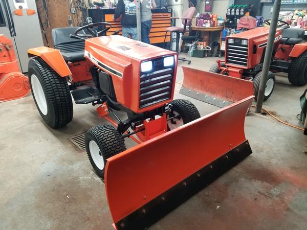 28) 446 Case Garden Tractor