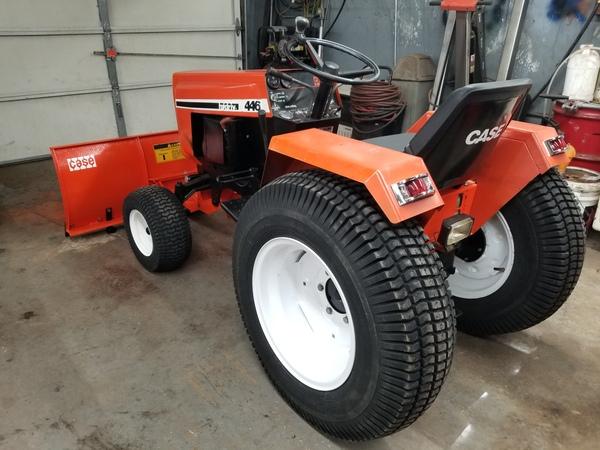 29) 446 Case Garden Tractor