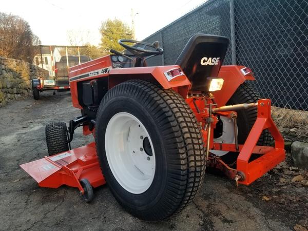 32) 446 Case Garden Tractor