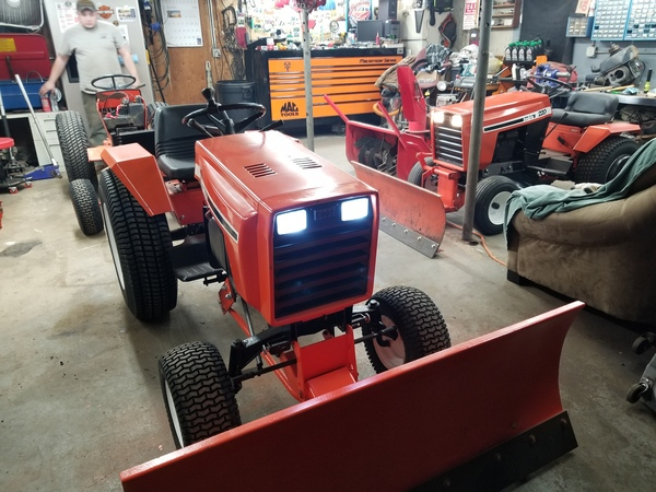 33) 446 Case Garden Tractor