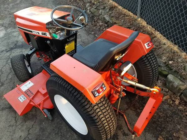 34) 446 Case Garden Tractor