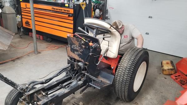 7a) 446 Case Garden Tractor Refurb 2021