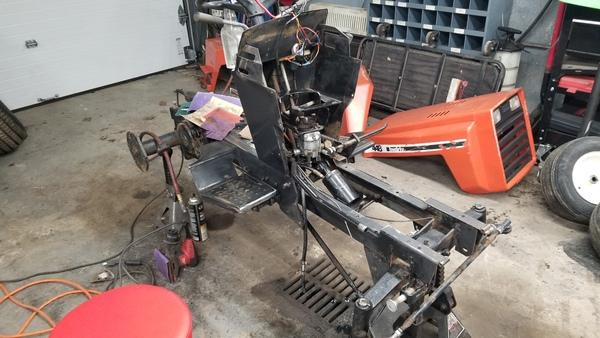 7d) 446 Case Garden Tractor Refurb 2021