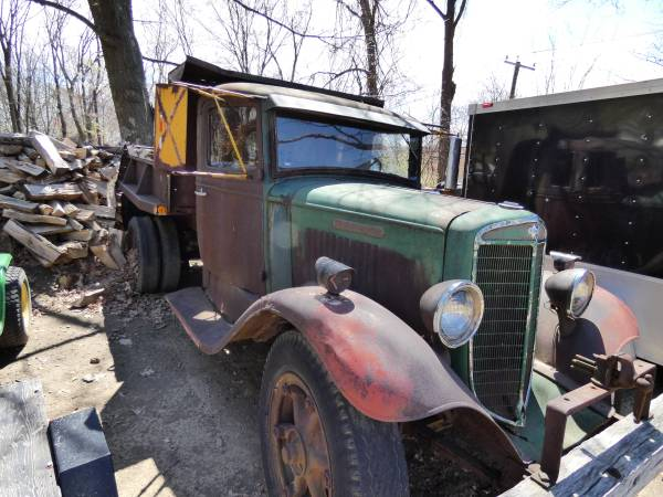f) 1935 International C-30 Dump Truck