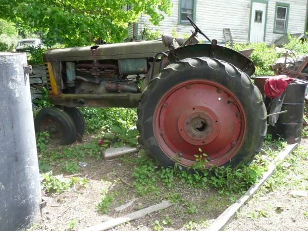 1) Oliver 77 Row Crop Tractor