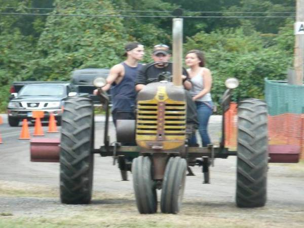 14) Oliver 77 Row Crop Tractor
