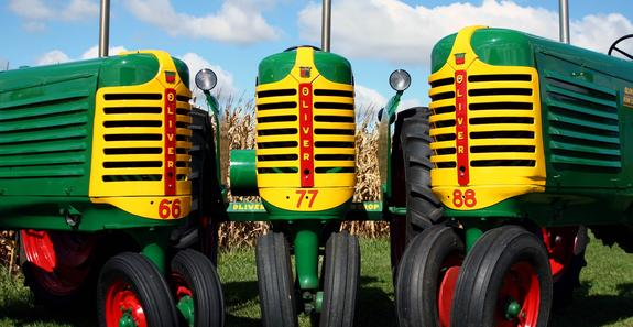 Photo of  Oliver 66 - 77 - 88 Tractors
