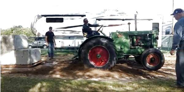 11) 1938 Oliver 99 Tractor 7.09.17