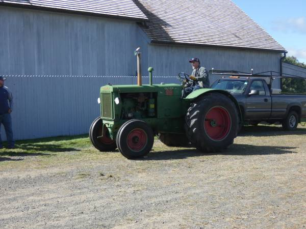 10) 1938 Oliver 99 Tractor 7.09.17