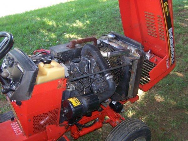 33) 1993 Ingersoll 3118-Diesel 18hp 3cly Perkins