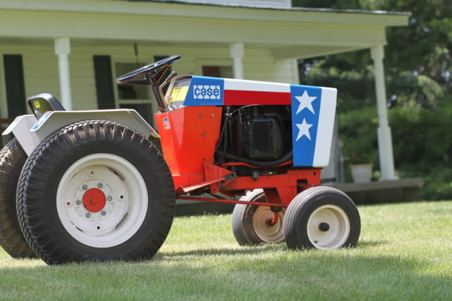 26b) Steve Guider's Spirit of '76' Case 446 Garden Tractor. Mfg by J.I. Case for Bi-Centennial parades on the 4th of July 1976