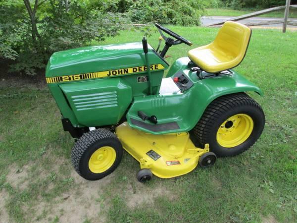 1) John Deere 216 Tractor