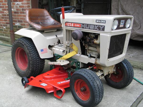 Bolens Lawn Tractor : Bolens tractor manuals free gb the guys