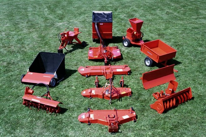 42a) 2013 Ingersoll Tractor Attachments